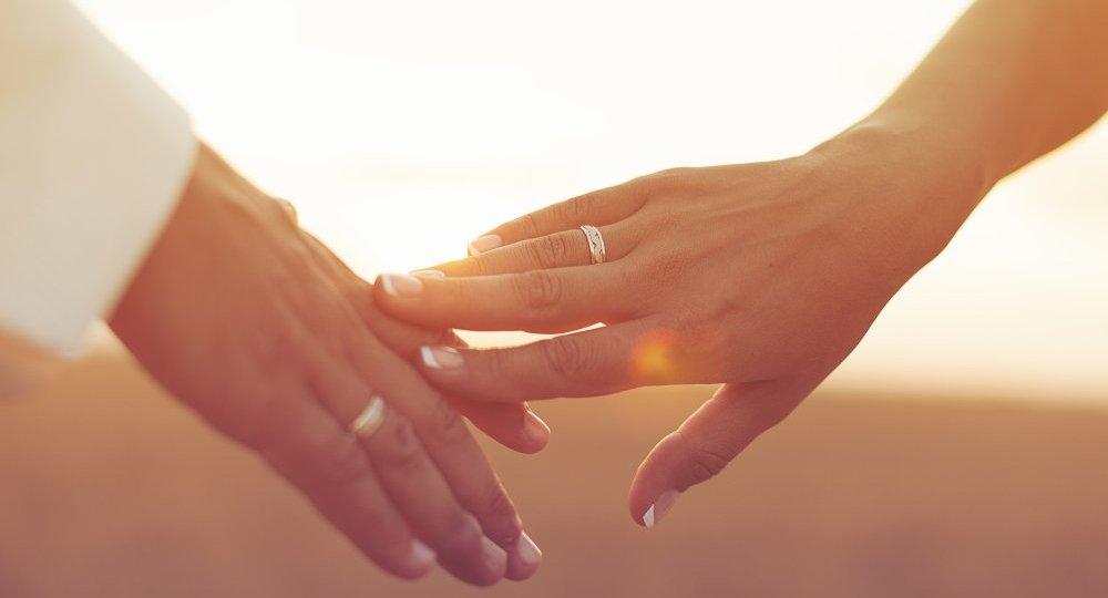 Erkekler İçin: Daha İyi Bir Sevgili Olun